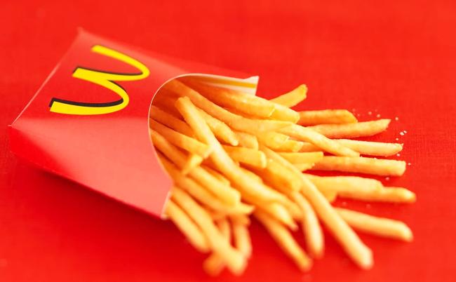 ארבע סיבות מדוע אנשים מכורים לאוכל