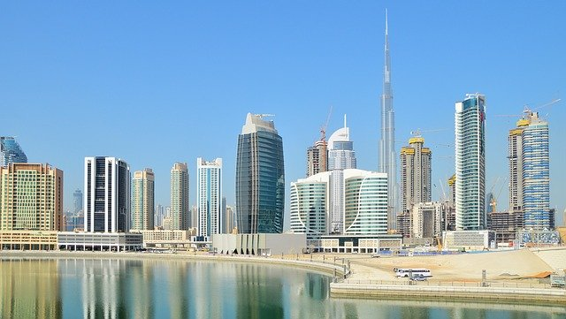 איחוד האמירויות הערביות מציע שפע טבעוני ענק למבקרים בו