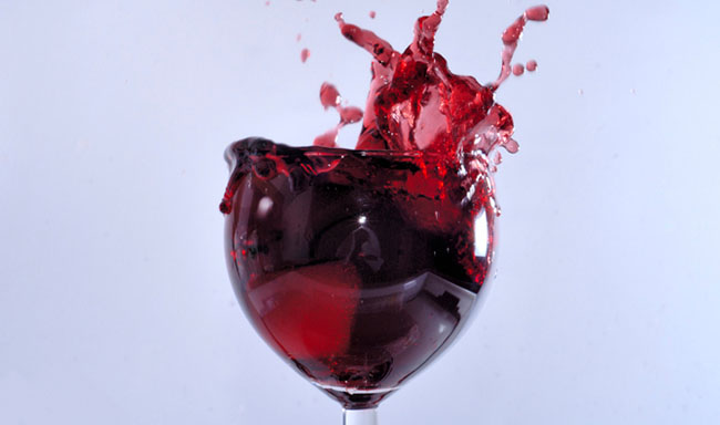 יין טבעוני שמיוצר עם קרינה אולטרה סגולה