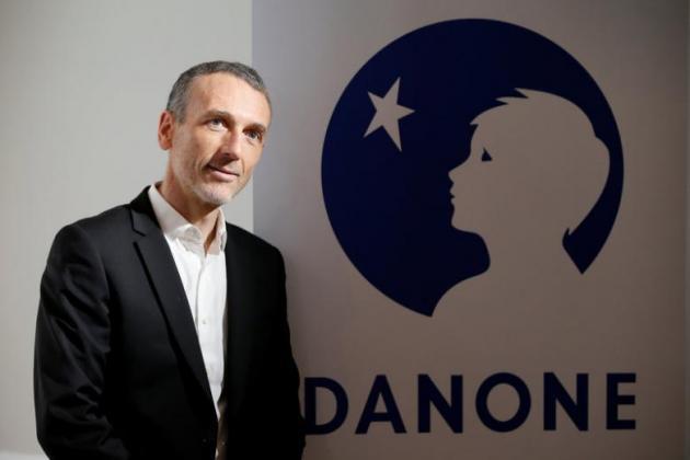 מנכ'ל דנונה, עמנואל פבר, במסיבת העיתונאים (רויטרס)