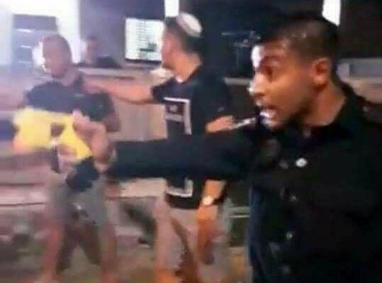 אלימות משטרתית כלפי מפגינים חוקיים מול בית ראש עיריית בית שאן