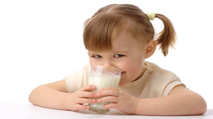 צריכת שלושה מוצרי חלב דלי שומן ביום מגדילה את הסיכון למחלת פרקינסון