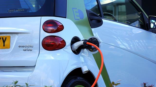 מכוניות חשמליות: סין ונורבגיה בראש