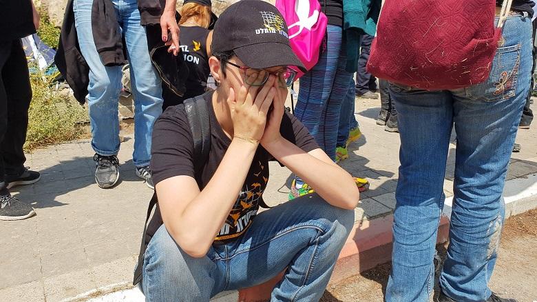 פעילים בוכים על מר גורלם של העגלים
