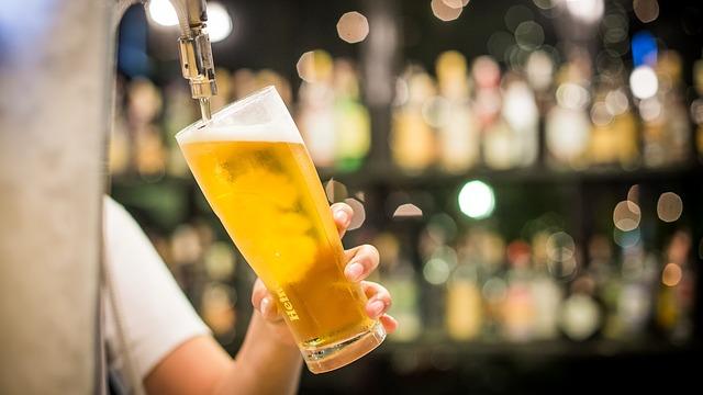 רפת הוסבה למבשלת בירה בעקבות ירידה במכירות החלב