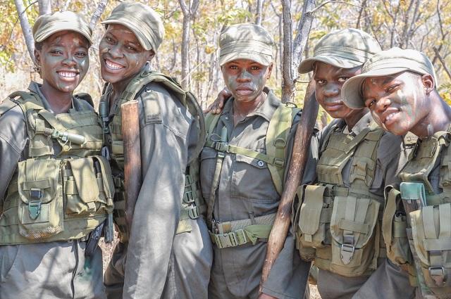 אקשינגה: יחידת עילית שומרת על חיות הבר מפני ציידים