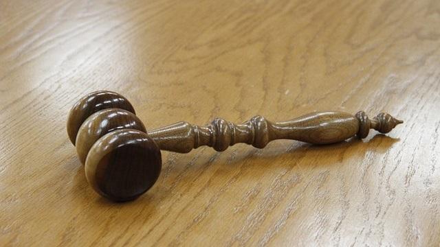 זוגלובק נגד שטרן: תגובתו של הנתבע לבקשת התובע למניעת פרסום