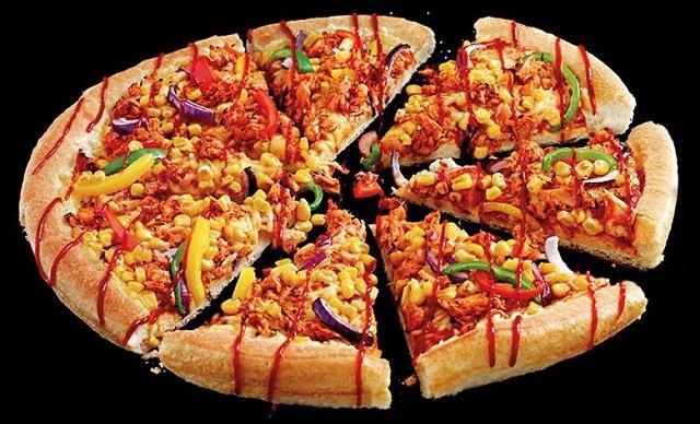 פיצה האט בבריטניה מכרה 9,600 פיצות טבעוניות תוך שבועיים