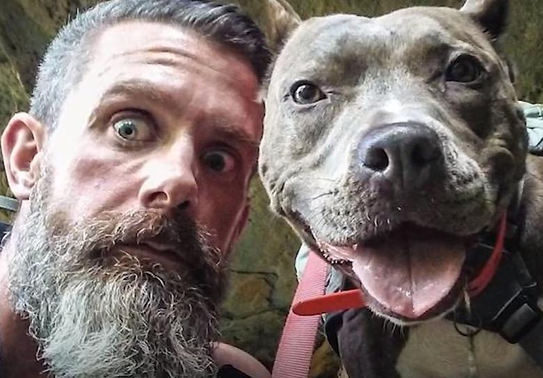 אדם וכלבה שינו את החיים אחד של השני